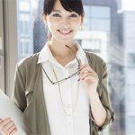 オフィス用のイヤリングはどう選ぶ?事務職の女性がイヤリングを選ぶ3つのポイント
