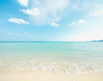 思い出のジュエリーをいつも側に、美しい海を思わせる宝石10選